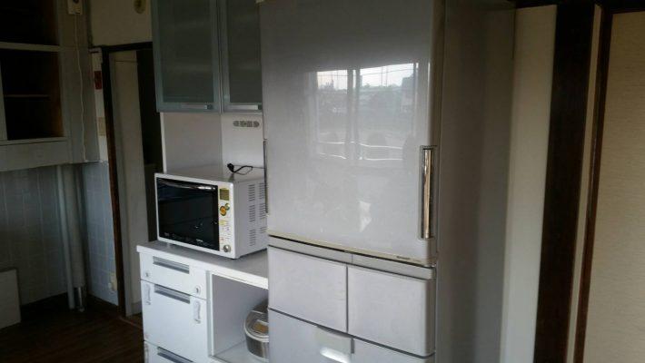 岡山市北区尾上_不用品の冷蔵庫と電子レンジ