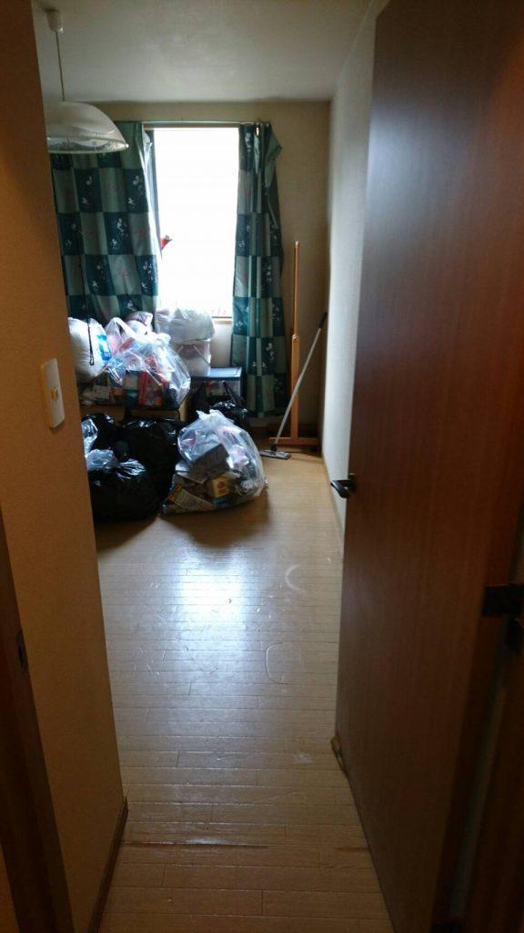 不用品回収_岡山市北区西之町_回収前の2階洋間