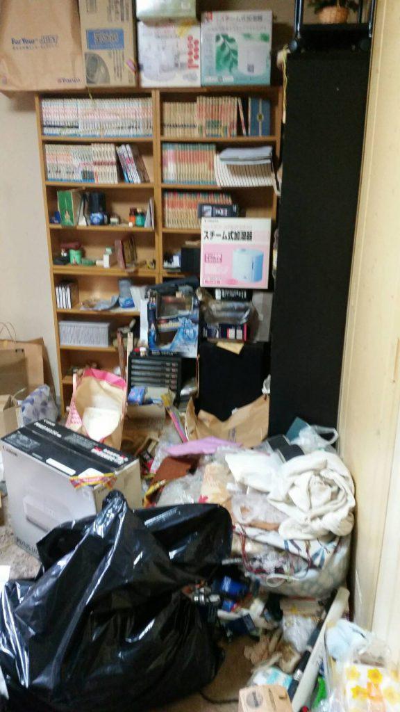 岡山市北区野田_アパート引っ越し_本棚と粗大ゴミ