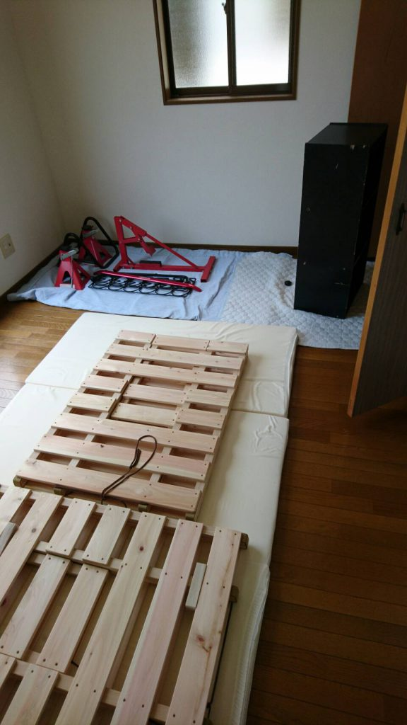 岡山市北区学南町一丁目の不用品回収_寝室片付け前