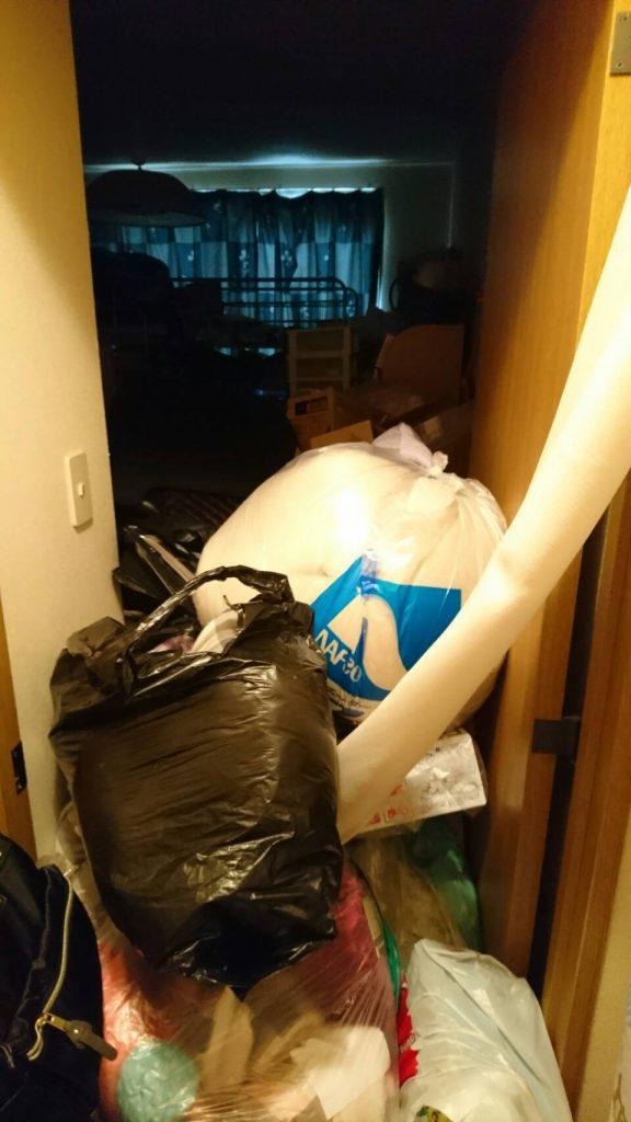 不用品回収_岡山市北区西之町_回収前の廊下