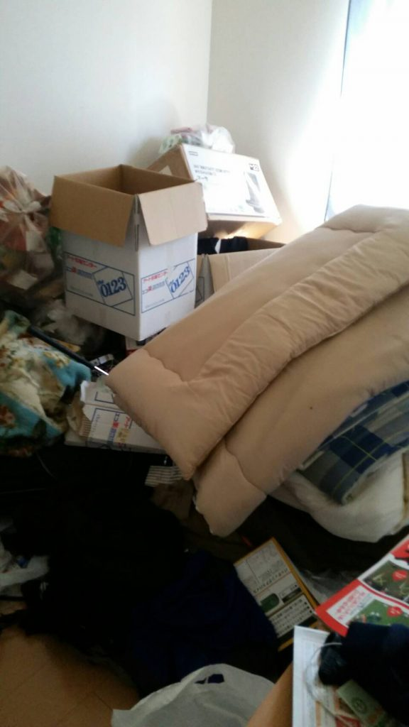 不用品回収_岡山市南区豊成_寝室の粗大ゴミ