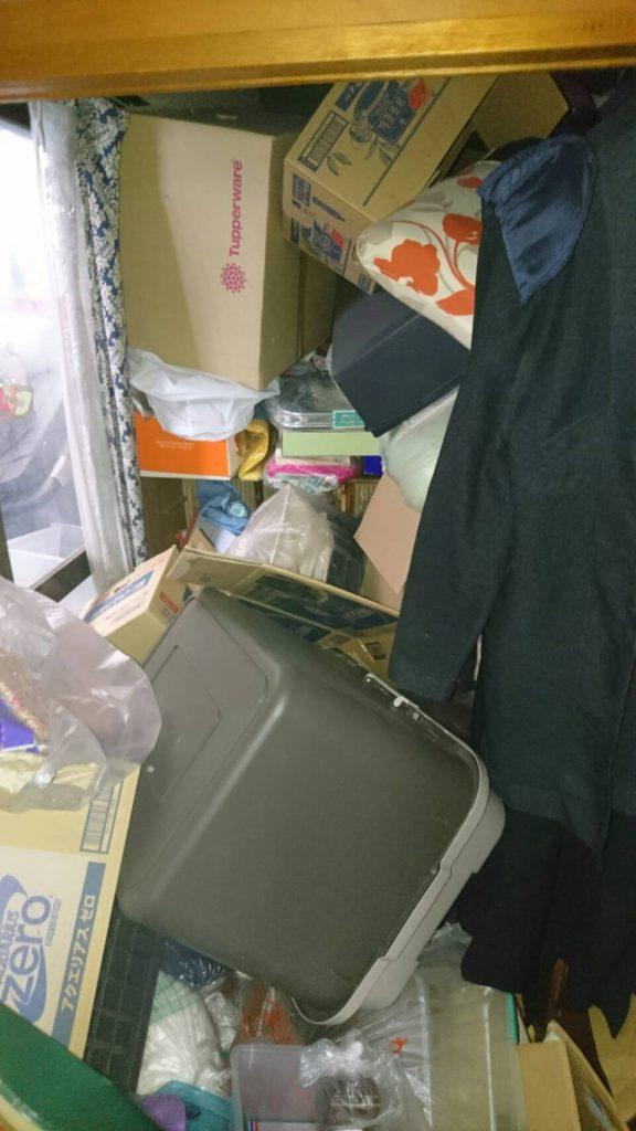 岡山市東区浅越_粗大ゴミ回収前の寝室