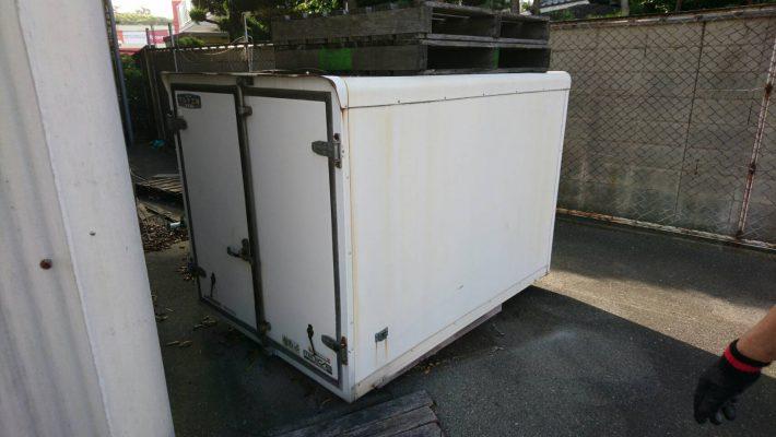 岡山市北区弓之町で不用品回収したコンテナ