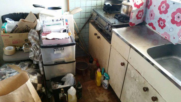 不用品回収_岡山市北区鹿田町一丁目_片付け前のキッチン
