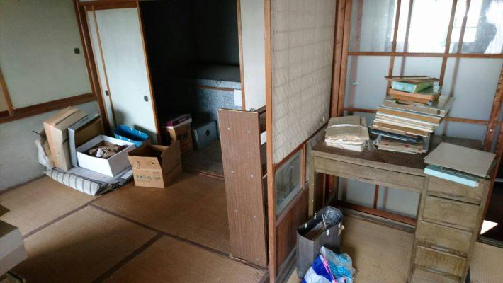 不用品回収_岡山市北区大元_回収前の居間